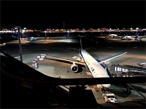 駐機中のBoeing 787-9
