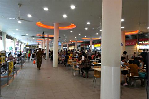 チョンバルマーケット2階